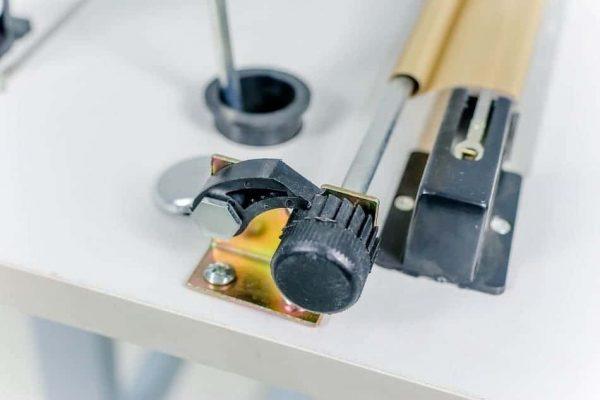Máy hàn miệng túi dập chân FS01 thay thế dải hàn dễ dàng với 1 nút vặn